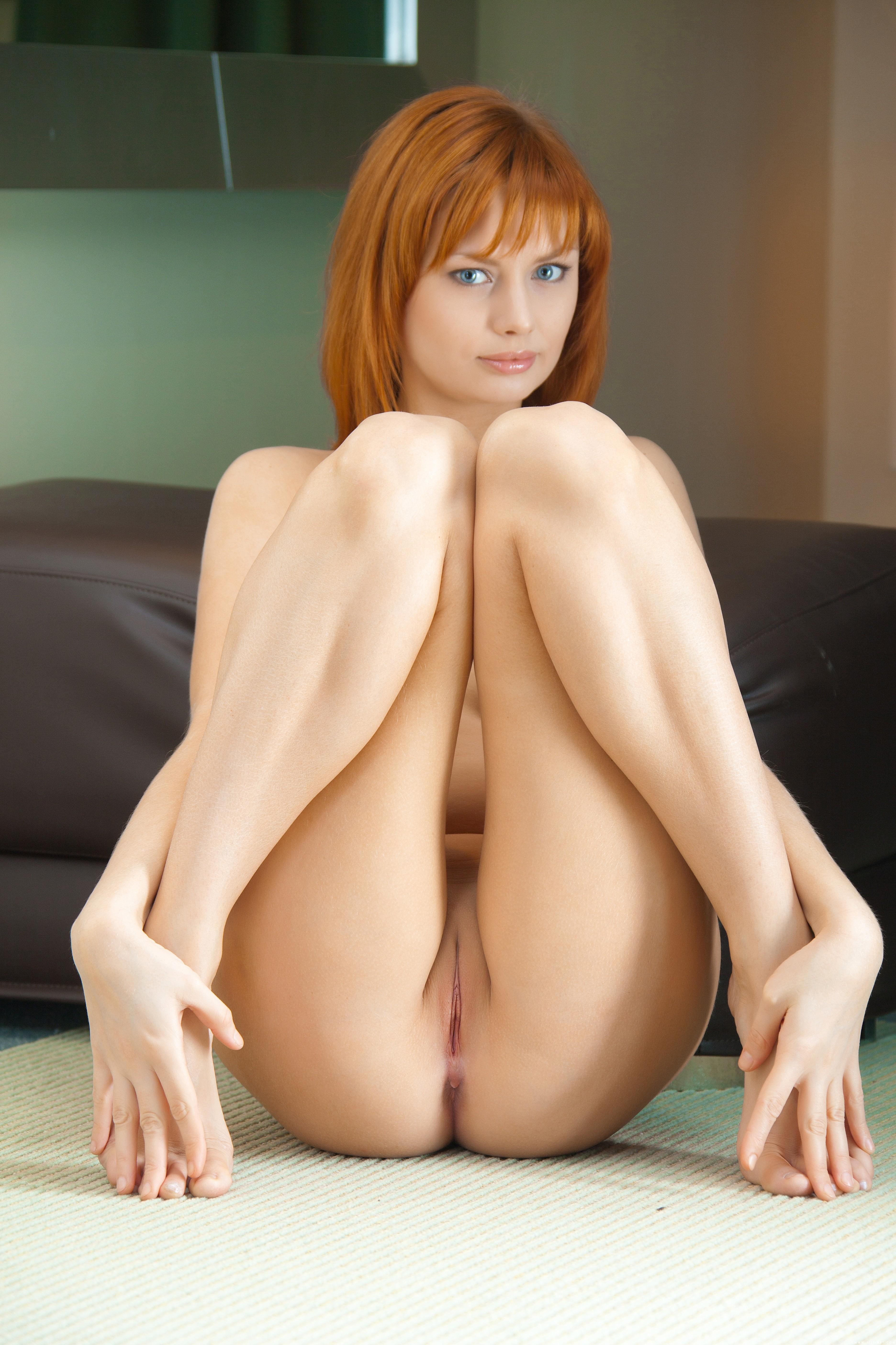 Рыжая женщина смолодым 6 фотография