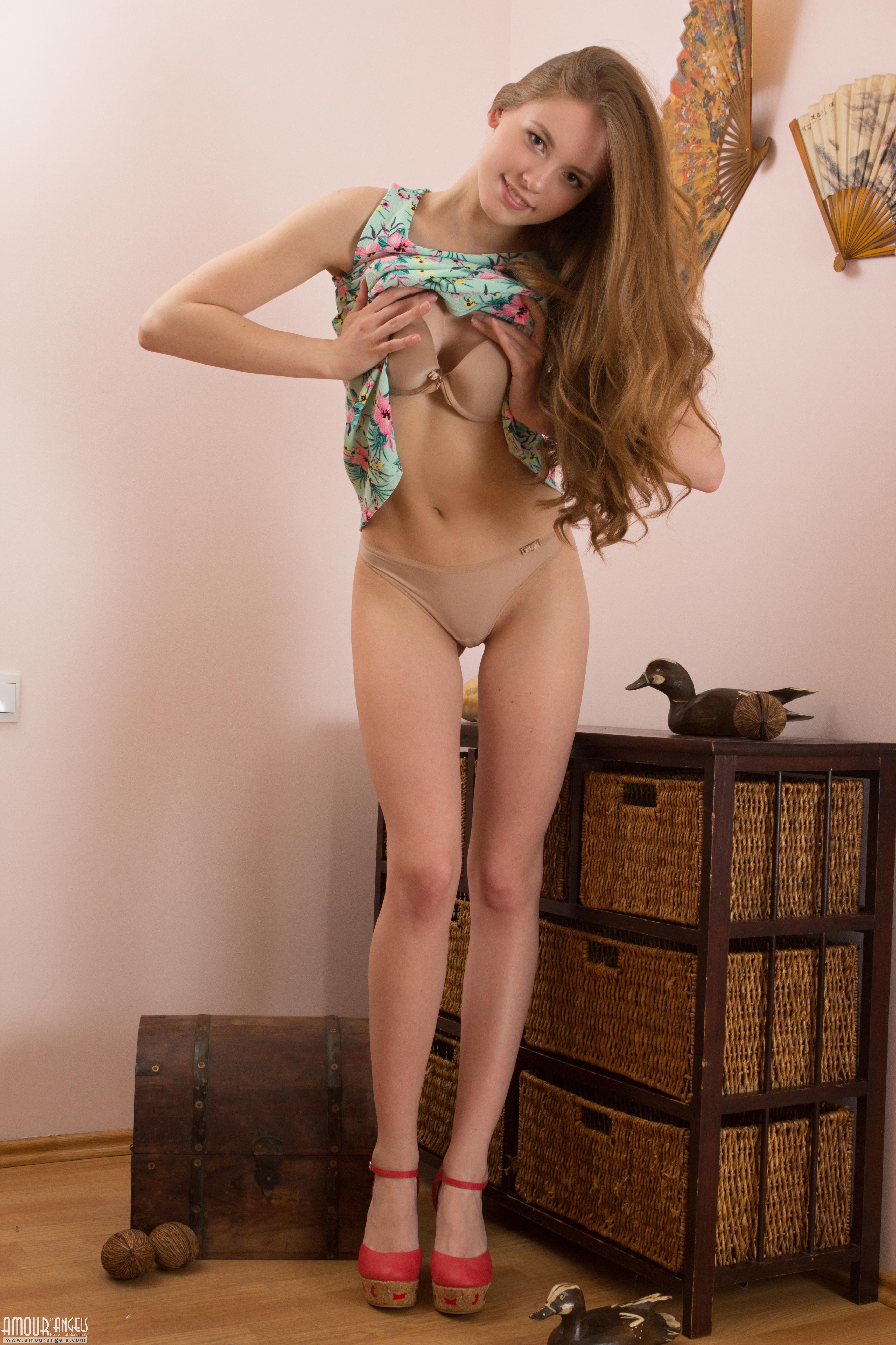 nickelodeon hot girls porn vids