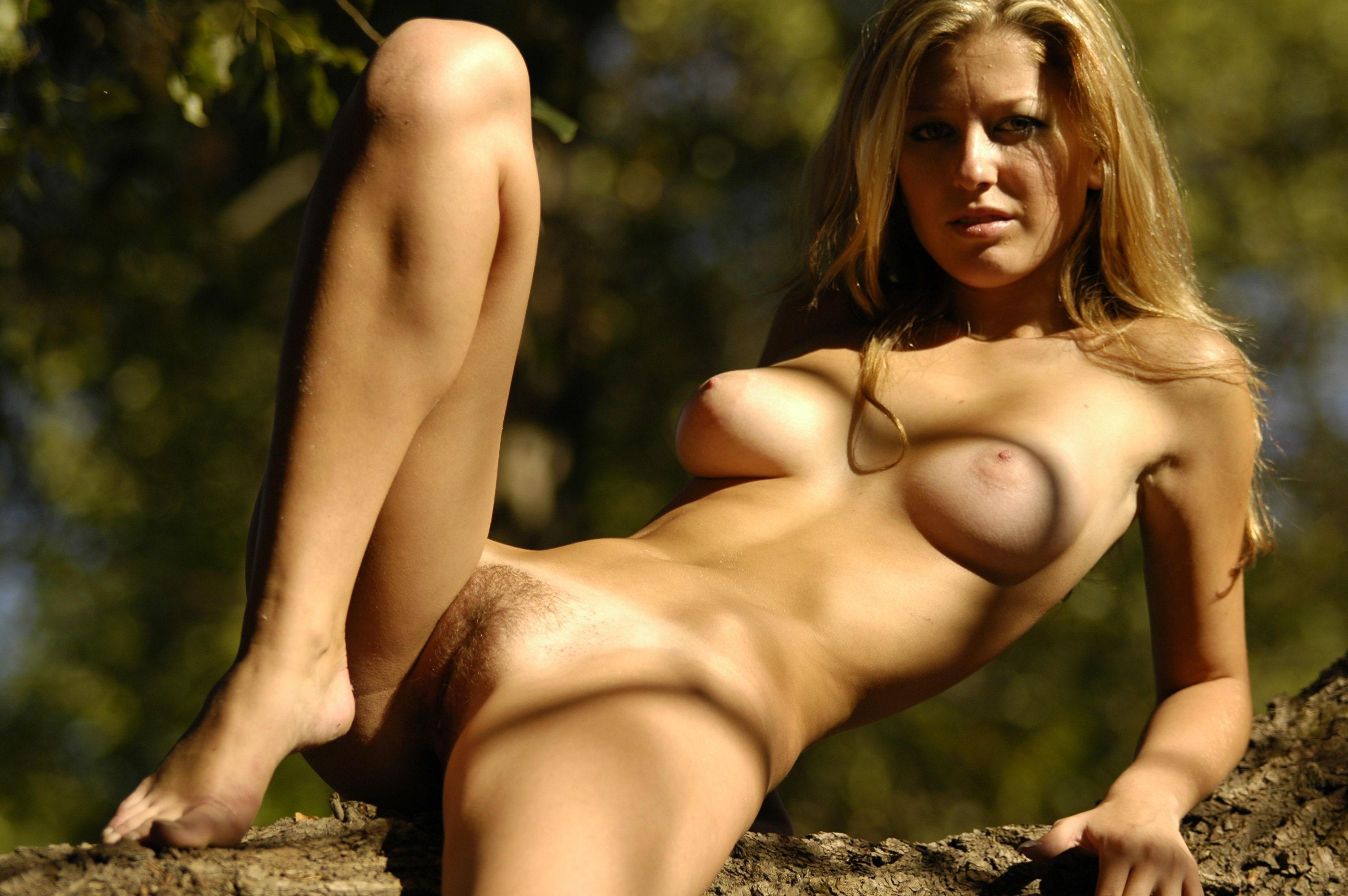Фотографии красивых абсолютно голых девушек 18 фотография