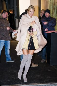 Lena Gercke - leave Marc Cain Show Berlin 19.01.2016 -x4