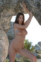Lizzie-Ryan-Rock-Gate-a4vh6f4edh.jpg