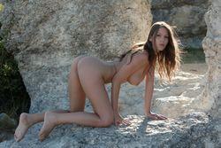 Lizzie-Ryan-Rock-Gate-y4vh6gpqji.jpg