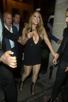 [Image: 26967203_Mariah_Carey2.jpg]