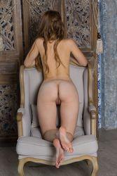 Joan-Favorite-Chair-h5b0dhuzja.jpg