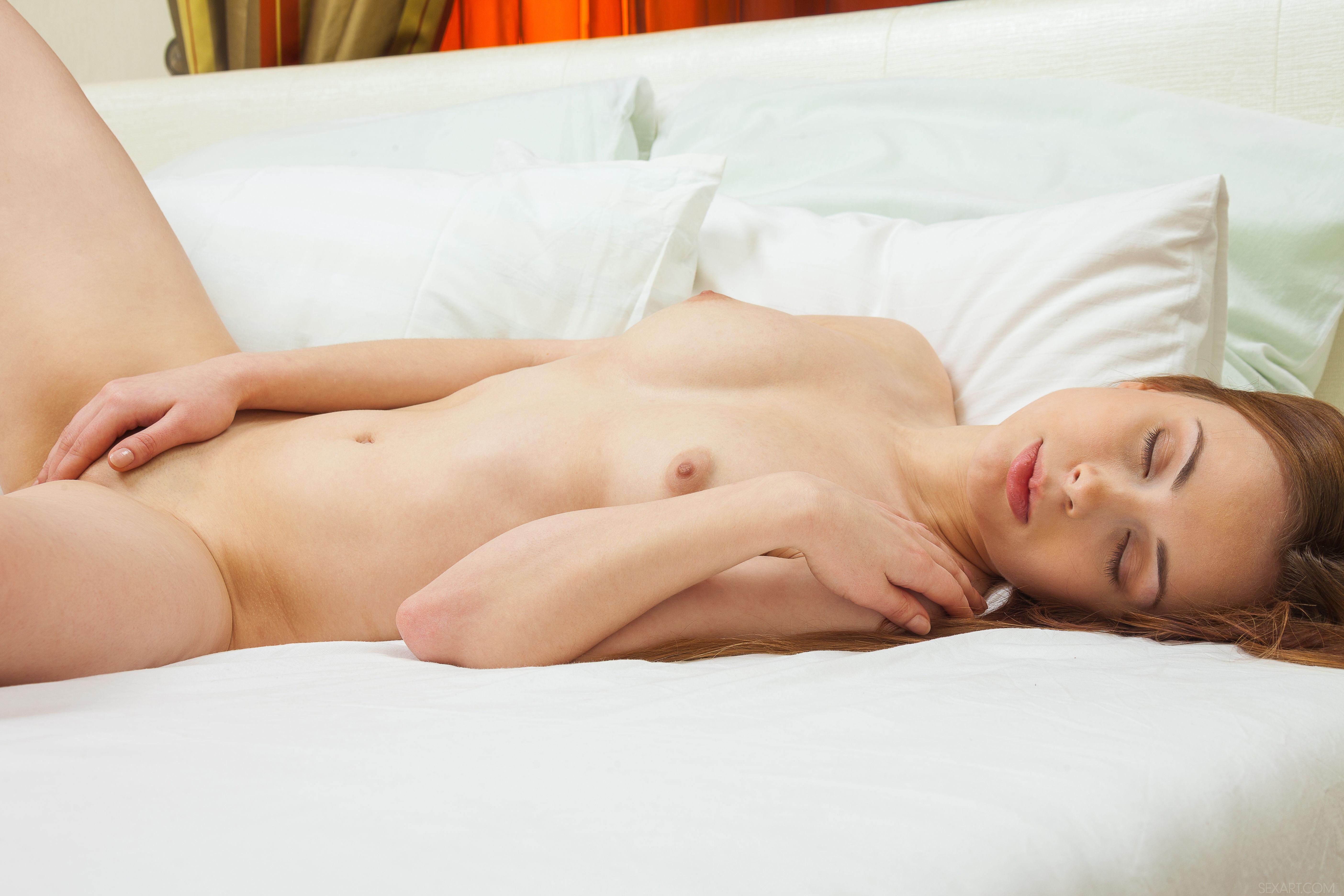 porno-foto-krasivih-klubnih-devushek