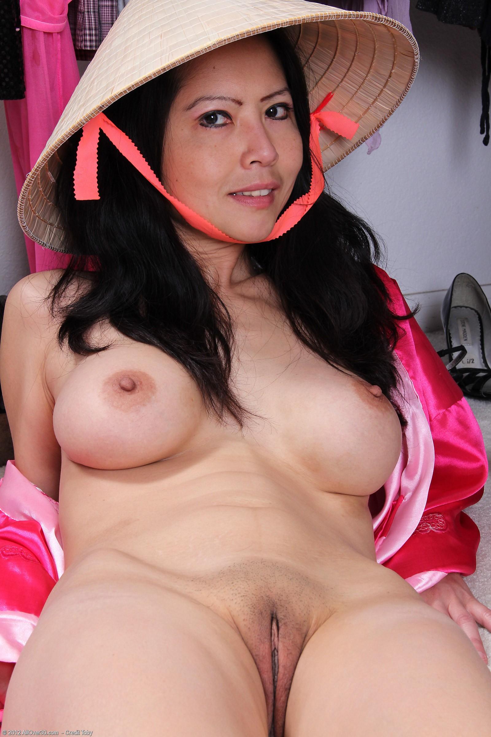 golie-zrelie-kitayanki